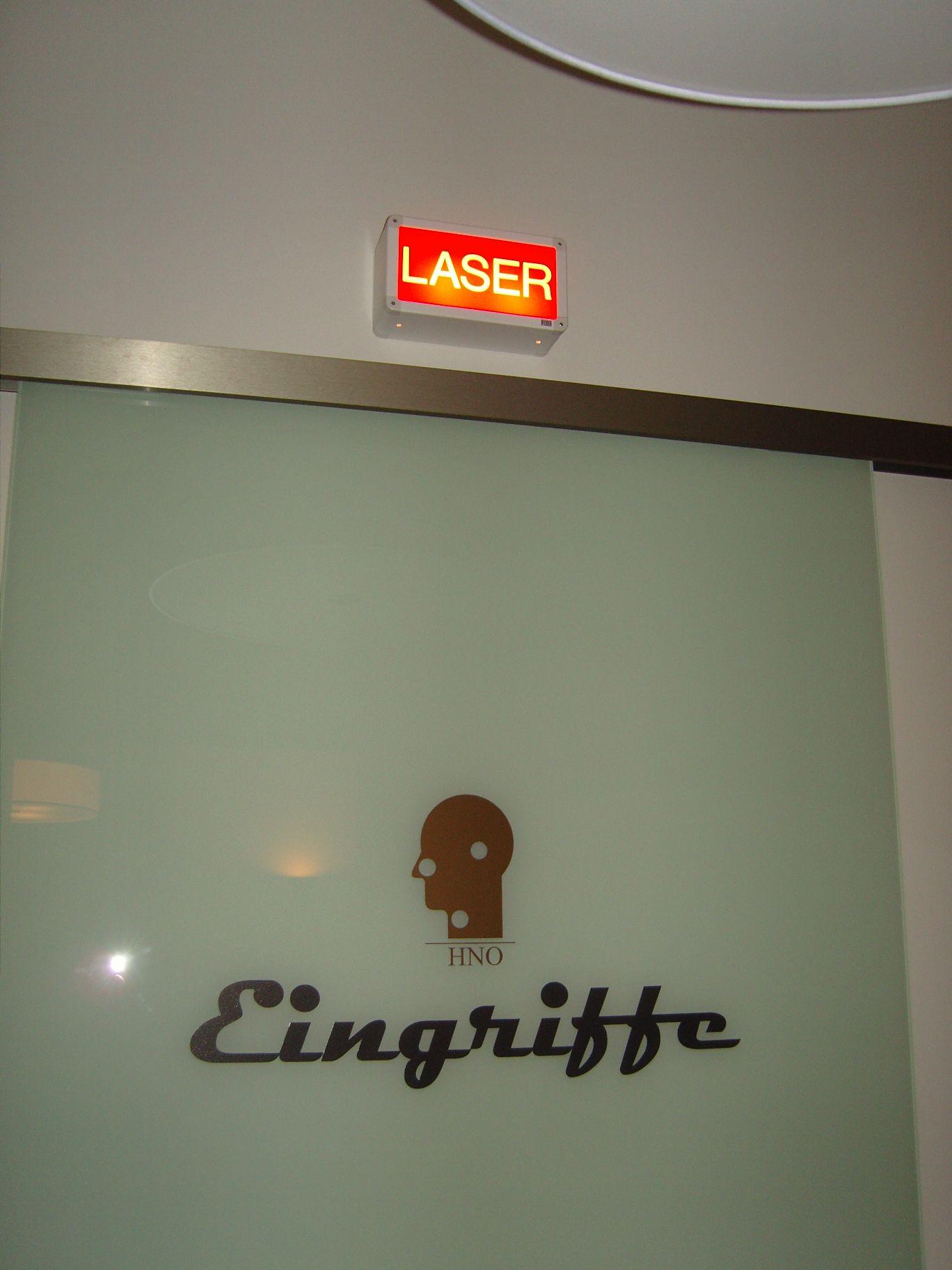 optuer-eingriffe-laserwarnung