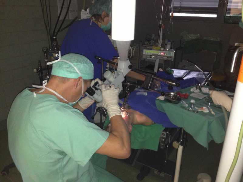 dr-august-laser-vorfuehrung