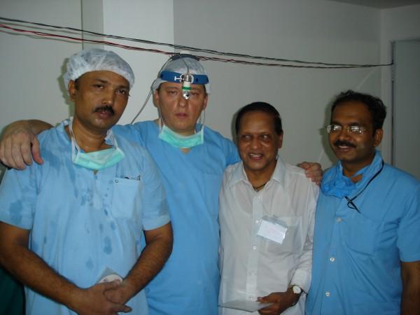 kittel-gruppenfoto-indische-kollegen-dr-august